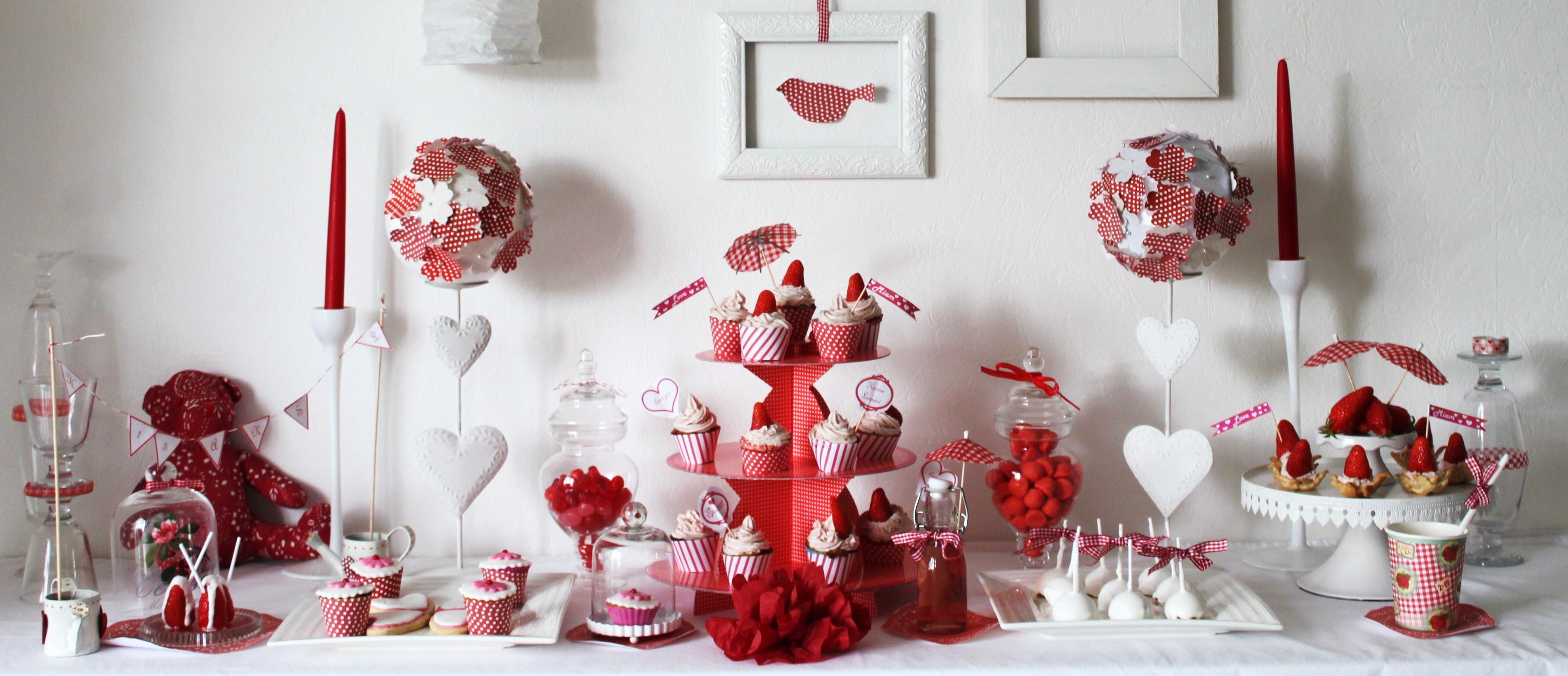 sweet table pour un anniversaire de mariage la fabricamania. Black Bedroom Furniture Sets. Home Design Ideas