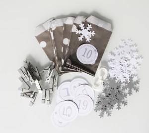 noel-calendrier-avent-pochettes-gris-pois blanc